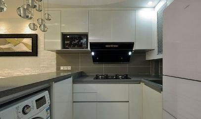 82平现代三居室温馨之家厨房橱柜