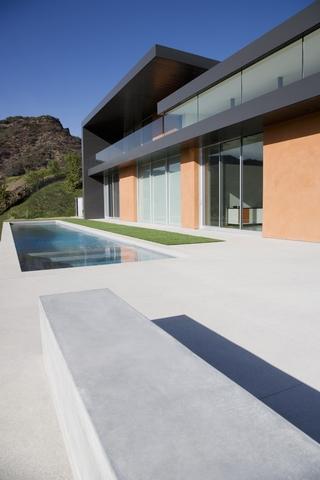 现代简约风别墅设计图室外泳池