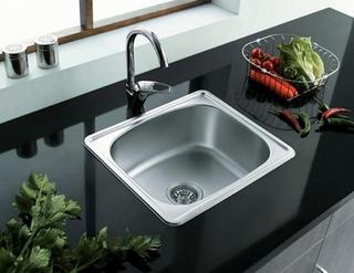 不锈钢水槽质量鉴别小方法