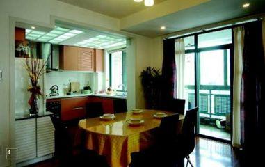 85平米两室两厅装修 暖色调与玻璃、石材装出现代高品位