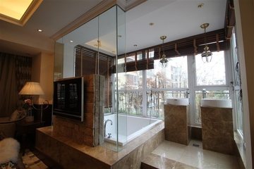 咖啡色欧式样板房欣赏卫生间