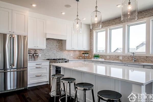 满眼的阳光,完整纯粹的色彩基调 整体厨房让你家的厨房更加多彩