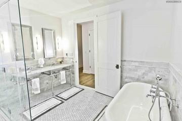 美式优雅三居室欣赏卫生间吊顶