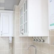 白色现代风三居欣赏厨房橱柜设计