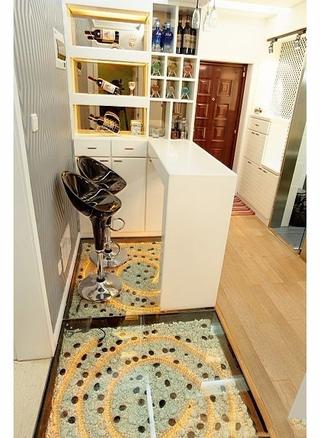 79平简约两居室欣赏过道设计