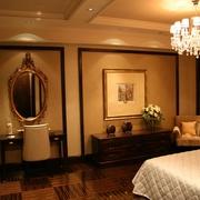 欧式风格别墅设计卧室背景墙挂画
