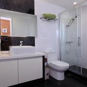 现代风格装修住宅卫生间效果