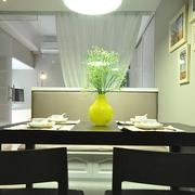 64平清爽两居室欣赏餐厅餐桌设计