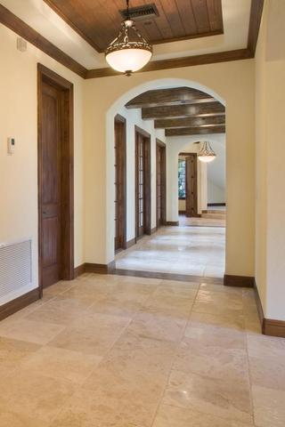 欧式别墅设计套图走廊