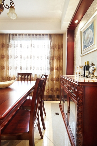 130平奢华欧式大四居欣赏餐厅设计图