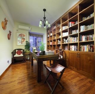 东南亚风格三居室欣赏书房书架