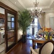 120平美式大三居欣赏厨房室内门