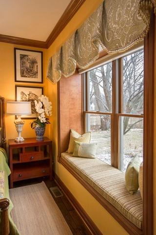美式别墅装饰欣赏床台