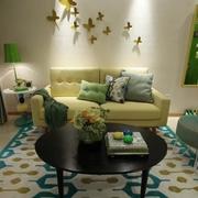 现代简约风公寓客厅布艺沙发