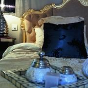 新古典风设计图床头摆饰