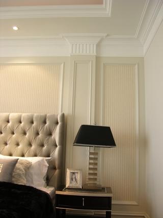 欧式风格复式楼床头设计