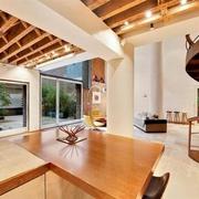 极具视觉冲击力的复式公寓欣赏厨房陈设