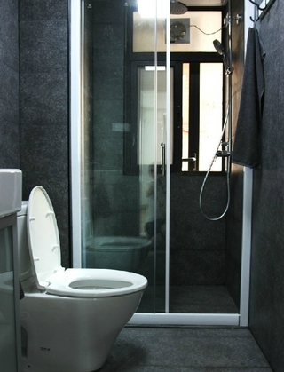 55平白色简约一居室欣赏卫生间