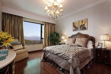 高端卧室窗帘装修 12万打造温馨新古典风