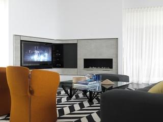 现代海滨别墅电视墙