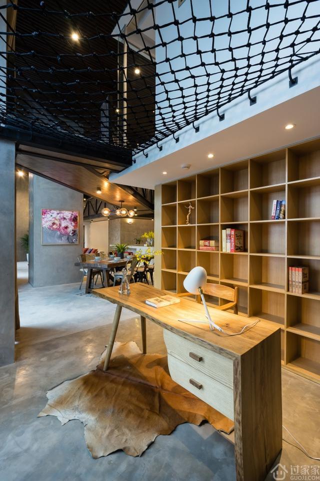 案例驿站 国外大户型loft风格装修,复式楼装修效果  分享一个国外大户