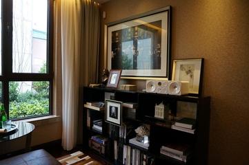 新古典低调样板间欣赏书房书架