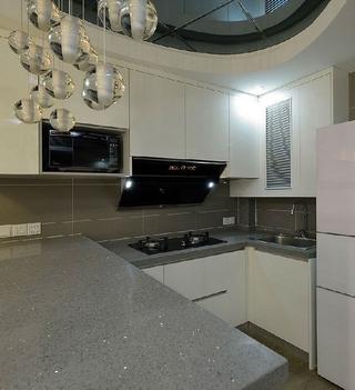 82平现代三居室温馨之家厨房灯饰