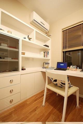 62平简约清新两居室欣赏卧室书架