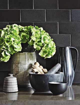 暗色调现代时尚公寓欣赏厨房