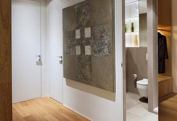 白色简约舒适两居案例欣赏玄关室内门