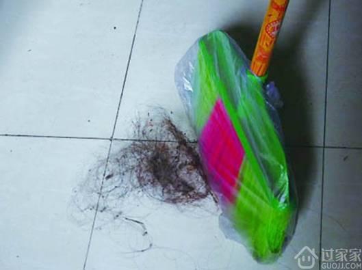 一扫地扫把拖把全是头发,怎么办?