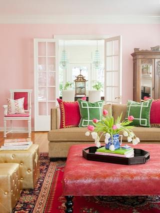 粉色简约格调两居室欣赏