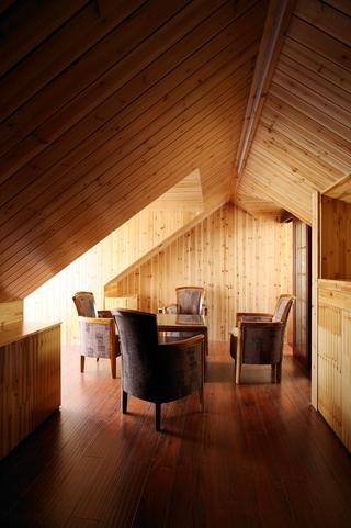 欧式别墅设计套图阁楼
