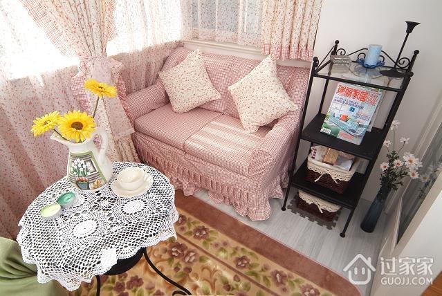 温馨三口之家 休闲阳台窗帘装饰效果图