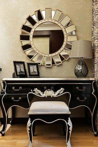 117平新古典三居室欣赏卧室梳妆台