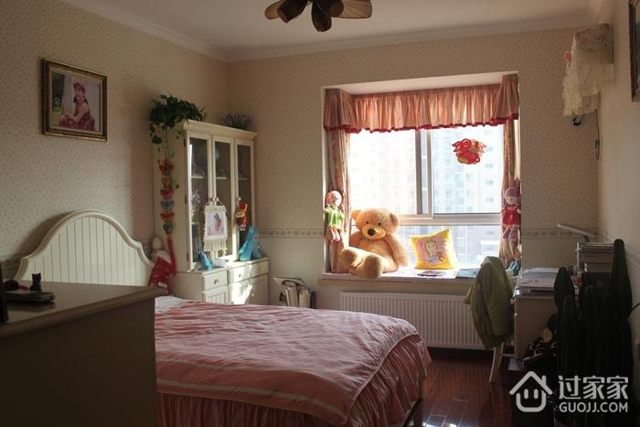 72平简约小两居欣赏卧室飘窗
