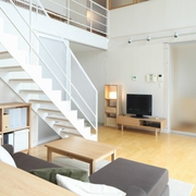 86平日式文艺复式欣赏客厅