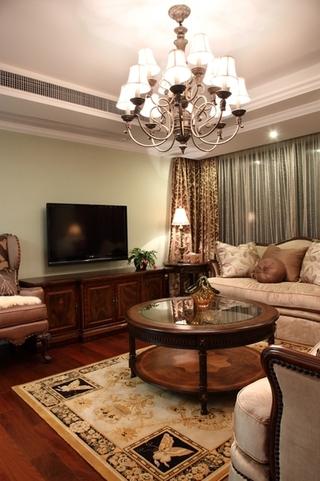 130平美式四室两厅欣赏客厅效果