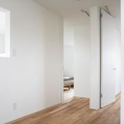 144平日式风格别墅欣赏卧室过道