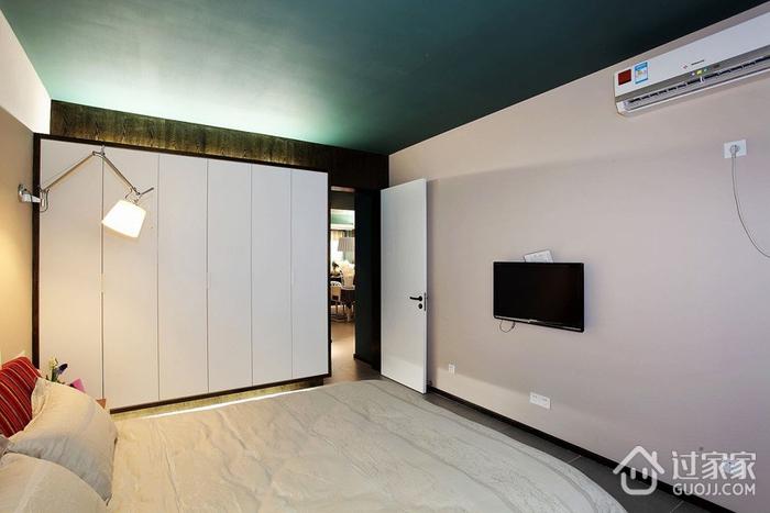 110平现代三居室欣赏卧室衣柜