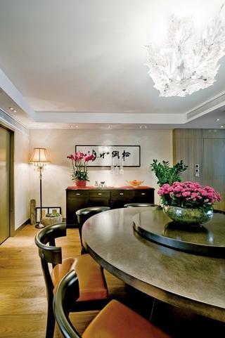 浓郁新中式三居室欣赏餐厅灯饰