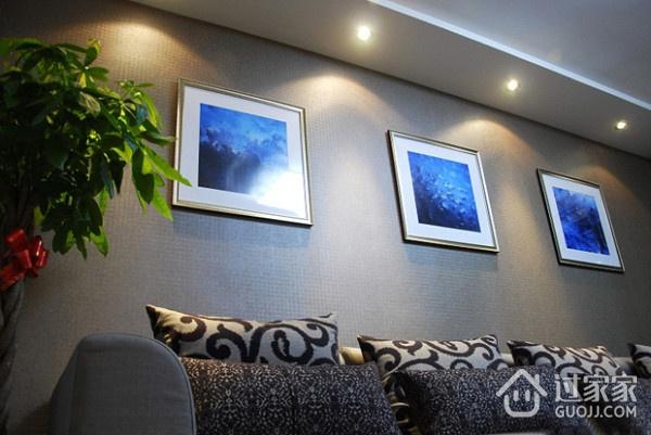 82平简约温馨住宅案例欣赏客厅照片墙