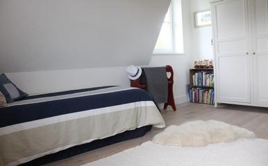 现代风格住宅效果图儿童房摆设