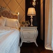 新古典样板间设计主卧床头柜