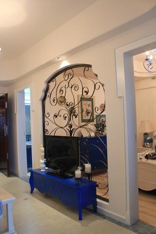 89平地中海样板房欣赏客厅背景墙