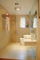 现代简约样板间设计卫生间隔断