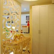 奢华欧式风情四居室欣赏玄关吊顶