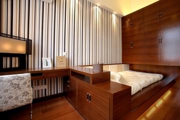 卧室简约条纹背景墙装修图片欣赏