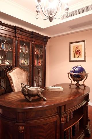 130平美式四室两厅欣赏书房效果