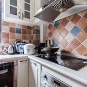 时尚奶白色 厨房橱柜装修效果图